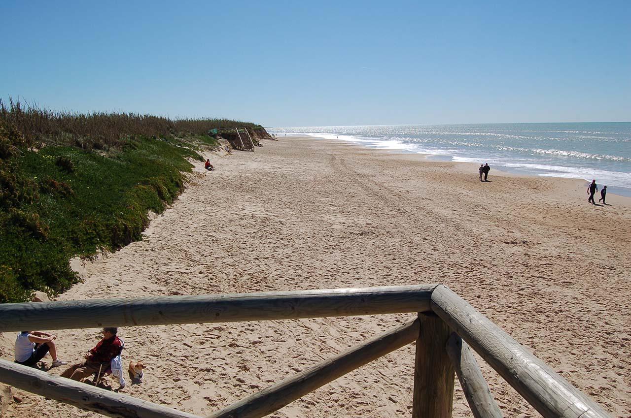 Playa Tres Piedras / La Ballena