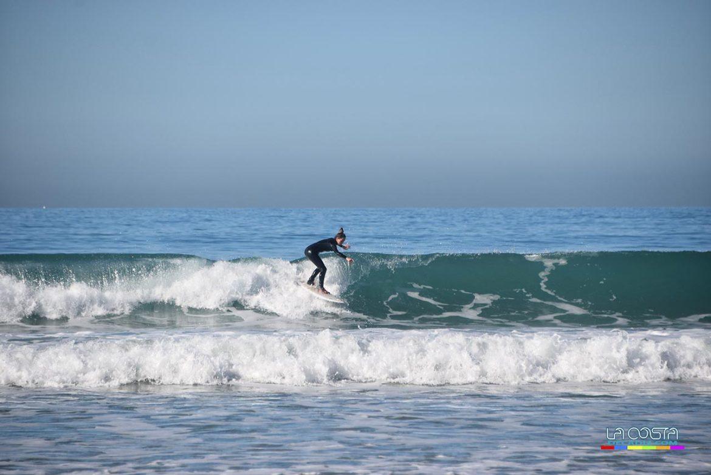 Mañanas de surf en Santa María, una sana costumbre