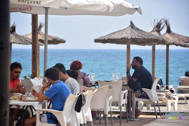 El placer de comer junto al mar